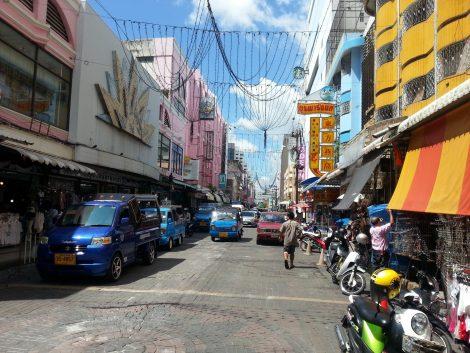 Saneha Nusorn Road in Hat Yai