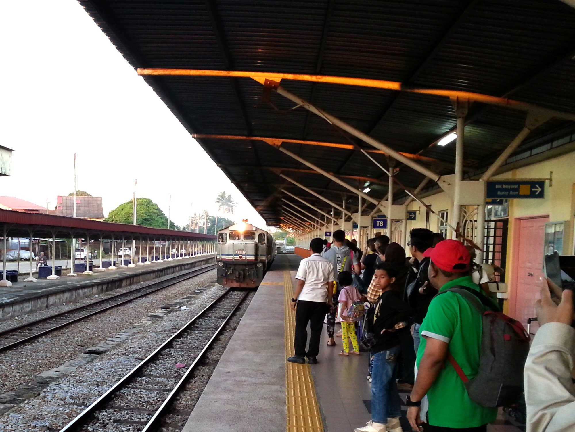 Train arriving at Wakaf Bharu Railway Station
